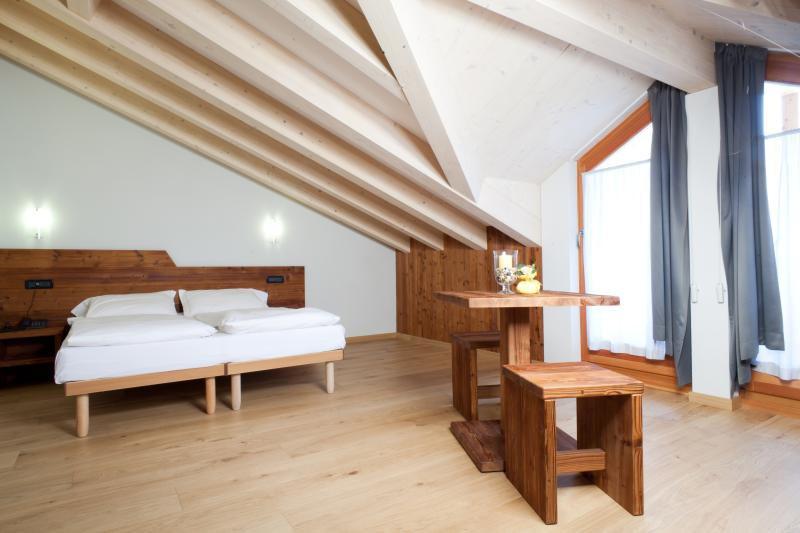 Pallet Usati In Legno Idee Per Arredare Casa Economiche Riciclare ...